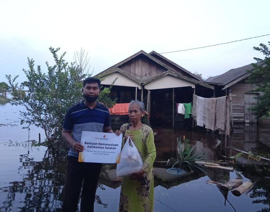 Tebar Kebaikan untuk Korban Terdampak Banjir di Kabupaten Tanah Laut
