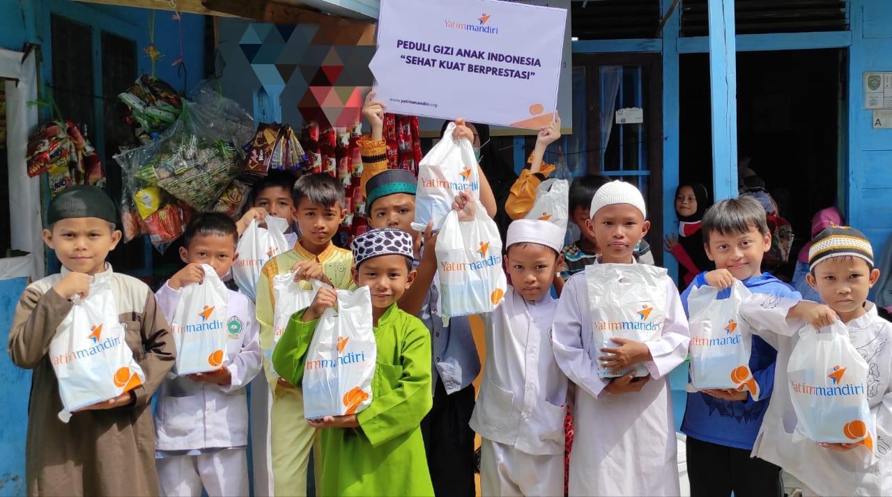Peringati Hari Gizi dengan Berbagi Paket Gizi untuk Yatim Dhuafa Palembang